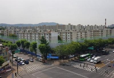 국토교통부, 서울 내 아파트 공급은 원활히 이루어지고 있습니다.